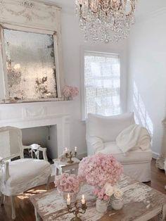 Romantic Living Room, Shabby Chic Living Room, Shabby Chic Cottage, Shabby Chic Homes, Living Room Decor, Living Rooms, Cottage Living, Estilo Shabby Chic, Shabby Chic Style
