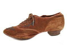 Shoe-Icons / Shoes / Edwardian velvet shoes with beading.