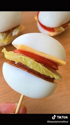 Appetizer Recipes, Snack Recipes, Cooking Recipes, Snacks, Appetizers, Party Food Platters, Food Dishes, Food Carving, Food Decoration