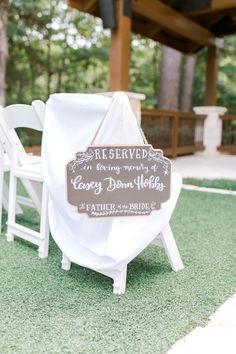 Wedding memorial - 35 Creative Wedding Signs Ideas For Beach Weddings – Wedding memorial Wedding Table, Our Wedding, Destination Wedding, Wedding Planning, Dream Wedding, Wedding Memory Table, Wedding Seating, Wedding Tips, Spring Wedding