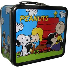 Shop for the Peanuts Group Lunch Box today. This is an officially licensed Peanuts Lunch Box available at Stylin Online now. Retro Lunch Boxes, Lunch Box Thermos, Cool Lunch Boxes, Metal Lunch Box, School Lunch Box, Box Branding, Vintage School, Snoopy And Woodstock, Totes