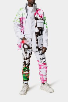 Off-White™ GORE-TEX Graffiti Print Ski Jacket Sweatpants Spring Summer 2020 Runway Inspiration Pre Season Drop Virgil Abloh Streetwear Clothing Streetwear Brands, Streetwear Fashion, Streetwear Clothing, Hobby Box, Hobby Hobby, Custom Clothes, Diy Clothes, Estilo Hip Hop, Colors