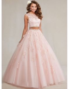 Pretty quinceanera dresses, 15 dresses, and vestidos de quinceanera. We have turquoise quinceanera dresses, pink 15 dresses, and custom quince dresses! Sweet 15 Dresses, Cute Prom Dresses, Ball Dresses, Pretty Dresses, Homecoming Dresses, Beautiful Dresses, Ball Gowns, Sweet Sixteen Dresses, Quencenera Dresses