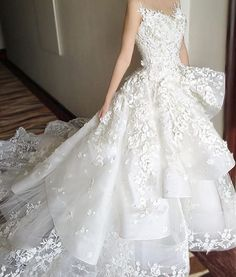 """264 Likes, 5 Comments - Laced in Weddings (@lacedinweddings) on Instagram: """"#hautecouture perfection"""""""