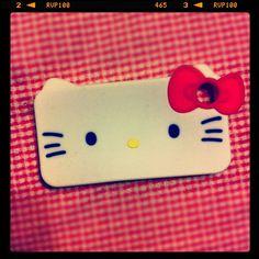 #hellokitty nooooo i need an iphone!