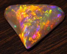 'Andamooka Desert Aurora' Opal / Third Hill Whitedam Andamooka