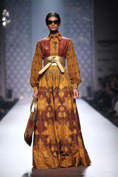 #shopnow #newcollection #straightofftherunway #aifwaw16 #ashimaleena #designer #clothing #perniaspopupshop