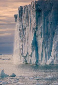 Austfonna Glaciar, Nordaustlandet, Svalbard Archipiélago, Noruega