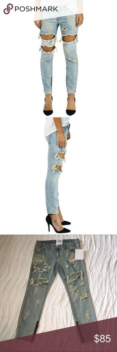 """NWT One Teaspoon dirt trashed freebird jeans. One Teaspoon. Trashed freebird jeans. Light wash - wash name """"dirt"""". Allover distressing with raw edged holes & fraying. Slouchy fit cropped to the ankle. Exposed ankle zippers. Zipper & button closure. 100% cotton. 8"""" rise 26"""" inseam. Size 26. NWT! One Teaspoon Jeans Ankle & Cropped"""