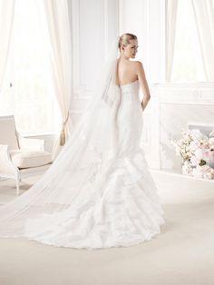 """Espalda del #vestido de #novia de la colección """"La Sposa 2015"""" con corte de sirena, con encaje, palabra de honor y escote de corazón. Modelo EUDORA. chantu.es"""