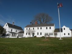 Celebrity singer and member of Hall & Oates Daryl Hall has recently listed his notable Maine home for sale. This home sits on one and a half acres of prime Maine real estate and has many buyers talking. Abandoned Mansions, Abandoned Houses, Old Houses, Celebrity Homes For Sale, Celebrity Houses, Celebrity Mansions, Maine Real Estate, Prefab Buildings, Greek Revival Home