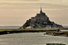 Abbaye du Mont-Saint-Michel (time passing is supposed to wait outside, thanks)