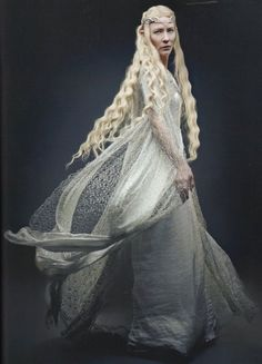 """Cate Blanchett as Galadriel, elven ruler of Lothlorien and keeper of the Mirror of Lorien. Tolkien describes Galadriel as """"the mightiest and fairest of all the Elves that remained in Middle-earth"""". The Hobbit and The Lord of the Rings Legolas, Gandalf, Tauriel, Cate Blanchett, Lord Of Rings, Fantasy Kunst, O Hobbit, Elfa, Into The West"""
