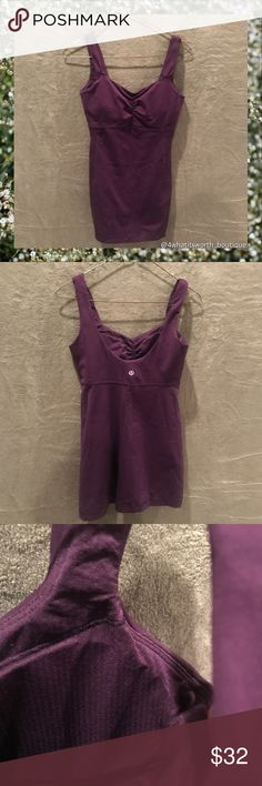 Flash Sale ⚡️LULULEMON ATHLETICA Scoop Back Tank LIKE NEW 🌸sweat-wicking Luon® fabric is four-way stretch, naturally breathable and engineered for serious stretch and recovery🌸added LYCRA® fibre bends with you and stays in great shape🌸built-in bra pockets for optional, removable cups🌸imported lululemon athletica Tops Tank Tops