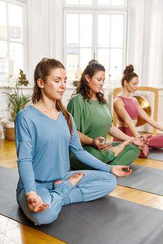 Bei uns findest Du verschiedene Yoga-Outfits. Unsere Yoga-Mode ist vegan und nachhaltig, sodass Du jedes unser Outfits mit bestem Gewissen tragen kannst! Schau vorbei! Models IG: @franzi.wagner @dianapohland Foto IG: @arnehoff #nachhaltigeMode #Yogamode #ecofriendly #yogainspiration #fairfashion #ecofriendlyfashion #ecoissexy #ethicallymade #nachhaltig #sustainablefashion Yoga Inspiration, Yoga Mode, Pose, Yoga Outfits, Workout, Floor Chair, Models, Vegan, Shopping