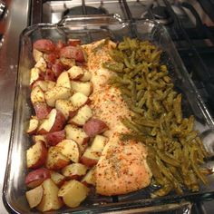 Italian Chicken Potato and Green Bean Bake with Red Potatoes, Green Beans, Chicken Breasts, Butter, Seasoning Mix. chicken recipes Italian Chicken Potato and Green Bean Bake Recipe Baked Chicken Recipes, Crockpot Recipes, Cooking Recipes, Healthy Recipes, Chicken Beans Recipe, Easy Recipes With Chicken, Baked Chicken Seasoning, Easy Recipes For Two, Easy Healthy Meal Prep