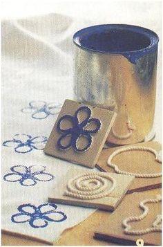 Stempels maken met een stukje hout en touw. Leuk!
