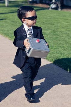 A Secret Service ring bearer - so cute! | Kim Le Photography