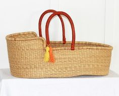 'Au Naturel' Moses Basket (Tan red handles) - (mattress included)