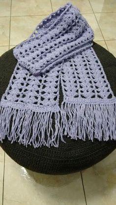 Cachecol de crochê em ponto leque Zig Zag Crochet, Crochet Kids Scarf, Crochet Blanket Edging, Granny Square Crochet Pattern, Crochet Blouse, Crochet Scarves, Crochet Shawl, Knit Crochet, Crochet Classes