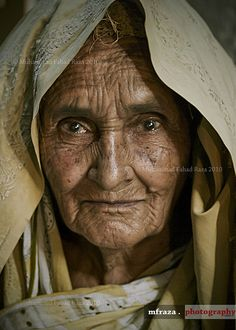 """Age wrinkles the body. Quitting wrinkles the soul."" by Muhammad Fahad Raza -- Her eyes tell you that she is no quitter. Old Faces, Many Faces, Ageless Beauty, Interesting Faces, People Around The World, Old Women, Belle Photo, Portrait Photography, Beautiful People"
