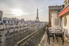 The 8 Most Lovable, Bookable Pieds-à-Terre in Paris