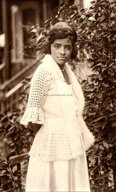 vintage pro photo--gorgeous african american woman