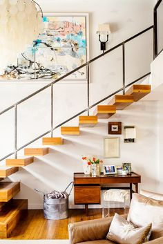 Floating contemporary stair case