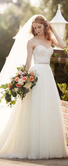 Martina Liana Spring 2016 Aline Sweetheart Wedding Dress / http://www.deerpearlflowers.com/sweetheart-wedding-dresses/2/