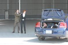 Excuse me, the woman you love is held at gunpoint and you're lying in the boot laughing. I'm kidding :D But I love the look behind the scenes :) Lauren Holly, Ncis New, Mark Harmon, Ncis Los Angeles, Great Team, Best Tv Shows, Season 3, New Orleans, Laughing