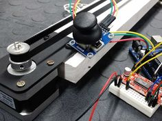 Let's see how to control a Stepper motor with an Analog Joystick using an UNO and the Easy Driver motor driver. Check out our tutorials page at : https://bra...