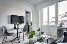 White Studio Apartment, Small Studio Apartments, Micro Apartment, Apartment Ideas, Gravity Home, Home Studio, Other Rooms, Decoration, Home Interior Design