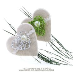 Wrist Corsage, Buttonholes, Spice Things Up, Wedding Designs, Needlework, Crochet Hats, Flowers, Decor, Sweet