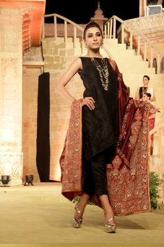 Sindh Fashion Festival | Bunto Kazmi | Umar Sayeed | Secret Closet