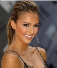 Jessica Alba (irtr) : BeautifulFemales Most Beautiful Faces, Beautiful Smile, Beautiful Celebrities, Beautiful Actresses, Simply Beautiful, Gorgeous Women, Beautiful People, Jessica Alba Hot, Brunette Beauty