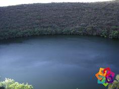 """MICHOACÁN MÁGICO. Le invitamos a visitar el cráter lleno de agua llamado """"La Alberca"""". Se encuentra en el pueblo mágico de Tacámbaro, cuenta con 750 m de diámetro y sus aguas tienen compuestos sódicos; el 25 de septiembre es el día en que usualmente la gente visita este lugar; ahí los lugareños ponen puestos de antojitos o llevan comida para convivir. Le invitamos a conocerlo. HOTEL ALAMEDA http://www.hotel-alameda.com.mx/"""