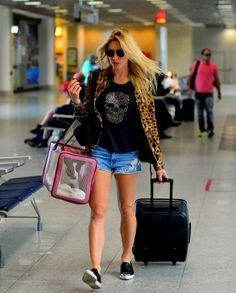 Inspire-se nos looks que as famosas usam para viajar | MdeMulher