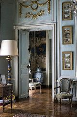 Schloss Drée, Curbigny (Saône-et-Loire, Frankreich) Interior And Exterior, Interior Design, Interior Door, Marquise, Classic Interior, French Country House, French Decor, Beautiful Interiors, French Interiors