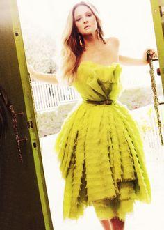 modeavenueparis:    Drew Barrymore in Dior Haute Couture | Ph. by Mark SeligerHarper's Bazaar October 2010 |My Scan