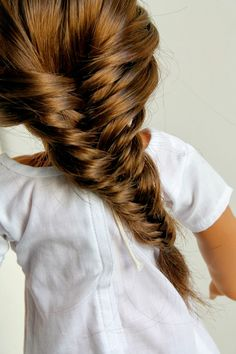 Tutorial for the French Fish Tail Braid on our blog, Doll Delight!