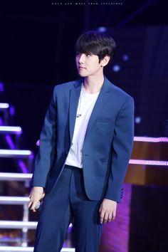 Baekhyun - 160326 2016 K-Friends Concert In Shanghai Credit: Just Like You.
