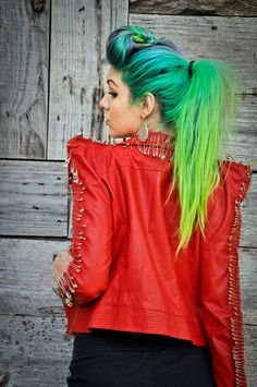 if my hair is long enough by summer, so doing this! more black tho, but i absolutely love it<3