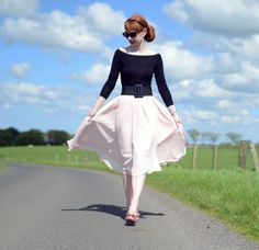Modest Outfits, Sexy Outfits, Cute Outfits, Fashion Outfits, Uk Fashion, Timeless Fashion, Retro Fashion, Rockabilly Fashion, Rockabilly Style