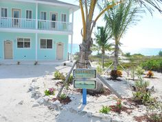 *A- but only jan 18-24* $215-250/nt, wifi, good beach with snorkelling but shared property ~ Rayanns Family-friendly Away From It... - VRBO