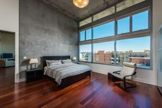 23 Beautiful Bedrooms With Wood Floors Pictures Benefits And Challenges