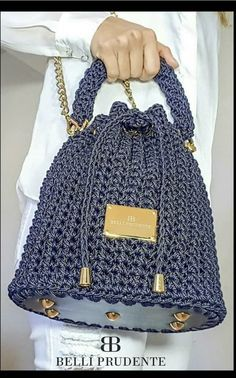 Túi ❤ Plus Size plus size empire waist dress Diy Bags Purses, Diy Purse, Purses And Handbags, Crochet Wallet, Free Crochet Bag, Crochet Bags, Crochet Handbags, Crochet Purses, Knitted Bags