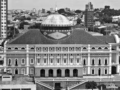 Teatro Amazonas, no Largo de São Sebastião. Centro de Manaus-AM. Em 2006.
