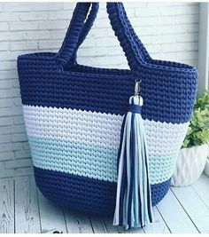 Crochet Bag Pattern ideas for This Year Trends - Page 42 of 45 - crochet patterns, crochet patterns free, crochet patterns for beginners, knitting patterns, free crochet patterns Free Crochet Bag, Crochet Tote, Crochet Handbags, Tunisian Crochet, Crochet Purses, Love Crochet, Double Crochet, Crochet Bag Tutorials, Crochet Patterns