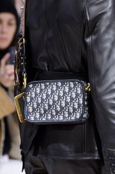 f0352d9b56a548 Die 16 besten Bilder von Dior Saddle Bag | Dior saddle bag, Roping ...