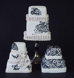 3 Mini Wedding Cakes